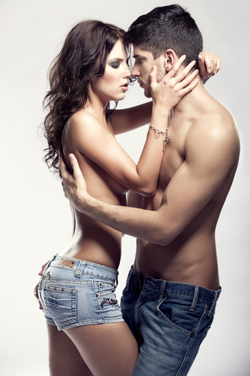 photodune-1666997-passion-couple-xs