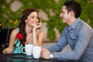woman-and-man-drinking-coffee-on-a-first-date