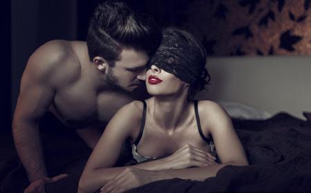 príťažlivé ženy majúce análny sex